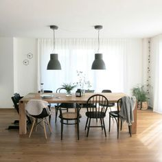 Dining room in autumn mode - Wohnen - Living Room Table Mixed Dining Chairs, Mismatched Dining Chairs, Table And Chairs, Hektar Ikea, Ideas Hogar, Dining Room Inspiration, Dining Room Design, Chair Design, Home And Living