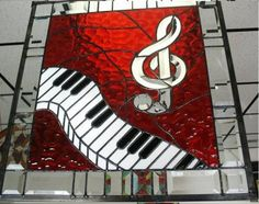 Music clef with piano keyboard