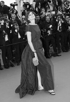 Rule breaker @fressangeparis on the #CannesFilmFestival 2015 #redcarpet! #Flatgate #Cannes #inesdelafressange