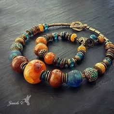 Покажу еще одно фото. Очень уж живописные краски. Агаты Африканские этнические бусины ручной работы Ювелирный кварц Тибетские бусины ручной работы Бронь