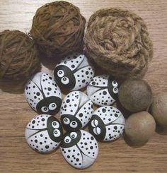 Malované kamínky ,,BROUČCI Z DALMÁCIE,,