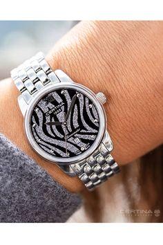Certina DS-8 Lady Silver C0330511105800 upealla kellotaululla ja teräsrannekkeella. Laadukas sveitsiläinen COSC-sertifioitu quartz-koneisto ja naarmuuntumaton safiirilasi. Teräsrungon halkaisija on 27,5mm. Kellossa on päivyri. Michael Kors Watch, Watches, Lady, Accessories, Fashion, Moda, Wristwatches, Fashion Styles, Clocks