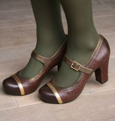 IONA BROWN :: SHOES :: CHIE MIHARA SHOP ONLINE