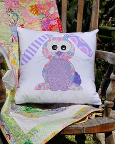Happy Little Rabbits Applique Cushion PDF von claireturpindesign, $8.00