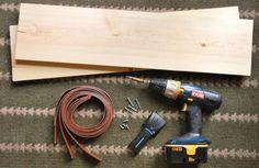 Maak je eigen leren plankdragers met deze supersimpele DIY. Je kan ze zelfs maken met oude riemen die je nog thuis hebt liggen. Kijk snel verder.