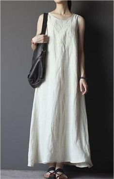 Embroidered Linen Dress in White Lengthen a Papercut Patterns SwayDress? Linen Dresses, Cotton Dresses, Casual Dresses, Summer Dresses, Boho Fashion, Fashion Outfits, Fashion Design, Gothic Fashion, Sewing Clothes