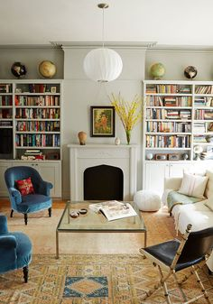 25 Eclectic Living Room Design Ideas – Decoration Love – ideas for the house Eclectic Living Room, Home Living Room, Living Room Designs, Living Room Decor, Living Spaces, Small Living, Bookshelves In Living Room, Bedroom Designs, Modern Living