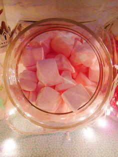 Marshmallows en Shine a light Table de Süss Pastelería