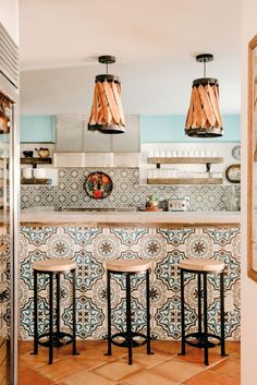 Casa Cartel Is Austin's Most Colorful Airbnb Tiled island and backsplash Spanish style kitchen Decor, Kitchen Remodel Design, Mediterranean Home Decor, Spanish Style Kitchen, Spanish Interior, Home Decor, Kitchen Style, House Interior, Modern Farmhouse Kitchens