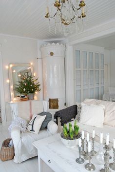 Jeanne d'Arc Living - French style with Nordic palette - Wohnzimmer Dekor Design Living Room, My Living Room, Living Spaces, Interior Exterior, Interior Design, Vibeke Design, Deco Addict, Christmas Home, White Christmas