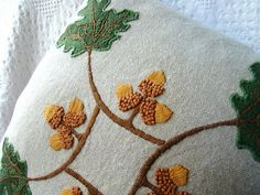acorn arts and crafts style motif