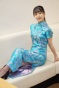 Pantyhose Outfits, Cheongsam Dress, Kimono, China Girl, Beautiful Asian Girls, Traditional Dresses, Asian Fashion, Asian Beauty, Lady