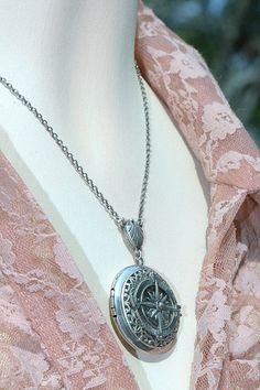 Personalized Steampunk Sterling Silver Nautical Locket Pendant Necklace , Wedding Jewelry Gift for Bridemaid Silver Locket Necklace, Dainty Diamond Necklace, Silver Lockets, Star Necklace, Pendant Necklace, Compass Jewelry, Sister Jewelry, Steampunk Fashion, Gold Stars