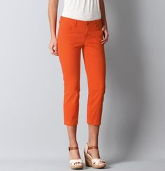 While in the Sunshine State sport some local color with these Modern Cropped Jeans!  Who says matching your fav breakfast fruit is bad?!  #LOFTSummerGetaway  #Iloveoranges