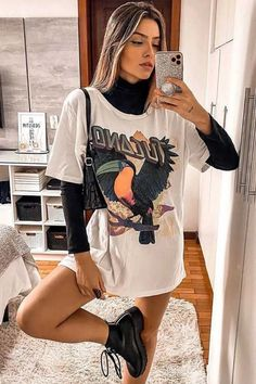 Style Outfits, Mode Outfits, Retro Outfits, Cute Casual Outfits, Simple Edgy Outfits, Big Shirt Outfits, Sporty Summer Outfits, Cute Vintage Outfits, Cool Girl Outfits