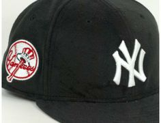 New York Yankees Thermolite 59Fifty Fitted Baseball Cap by NEW ERA x MLB