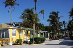 Beach Cottages of Sanibel - Stay - Fort Myers & Sanibel