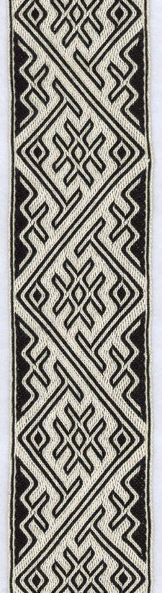 tablet woven band in 3/1 broken twill. made by Freerk Wortman