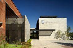 Galeria de Centro de Recursos para Ensino e Pequisa (CRAI) / 3Arquitectura - 1