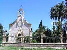Iglesia Nuestra Señora de Luján, en Uribelarrea, Buenos Aires.