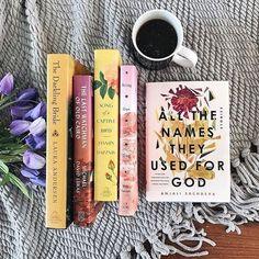 Book Nerd, Book Club Books, Book Lists, I Love Books, Books To Read, My Books, Stack Of Books, Book Flatlay, Poses Photo