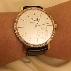 Piaget Altiplano #watch in rose #gold set with 88 #diamonds. Manufacture Piaget 1208P #ultrathin, automatic mechanical #movement with small seconds, the thinnest in the world (2.35 mm thick).