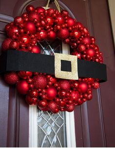 How to make your own ornamental wreath