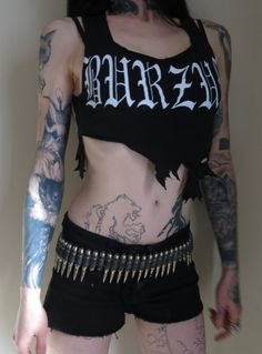 Black metal girls>>>>>>>