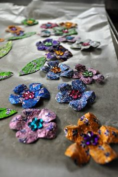 embellishments made from recycled candy wrappers Crafts For Girls, Crafts To Make, Arts And Crafts, Paper Crafts, Diy Crafts, Sweet Wrappers, Candy Wrappers, Metal Flowers, Lace Flowers