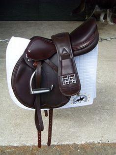 Amerigo Monoflap Jump Saddle in black Equestrian Boots, Equestrian Outfits, Equestrian Style, Equestrian Fashion, Riding Hats, Horse Riding, Riding Helmets, English Horse Tack, English Saddle