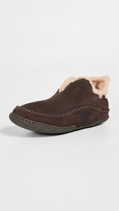 513909bbeeb 50 Best slippers images in 2019