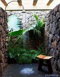 10 Eye-Catching Tropical Bathroom Décor Ideas That Will Mesmerize You - Outdoor shower: it is almost impossible do not love the plants right there as if surrounded by a wa - Outdoor Baths, Outdoor Bathrooms, Outdoor Showers, Luxury Bathrooms, Outside Showers, Outdoor Pool, Bathrooms Decor, Dream Bathrooms, Outdoor Spaces