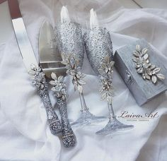 Silver Wedding Champagne Glasses Cake Server Set Wedding Flutes Cake Server Wedding Toasting Flutes Set of 4 Wedding Wine Glasses, Wedding Champagne Flutes, Champagne Glasses, Floating Flower Centerpieces, Wine Glass Designs, Wedding Cake Server, Gold Wedding Colors, Inexpensive Wedding Favors, Toasting Flutes