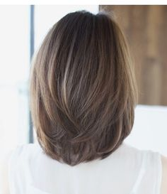 I like this because it isn't that weird egg shape Medium Hair Cuts, Short Hair Cuts, Medium Hair Styles, Short Hair Styles, Mid Length Hair, Hair Color And Cut, Pinterest Hair, Great Hair, Bob Hairstyles