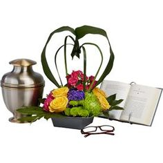 Urn floral arrangement tips: as cremations surge, flowers remain relevant!