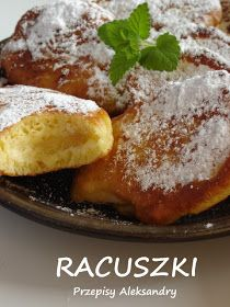 Moja Mama Felicja nauczyła mnie jak robić racuchy doskonałe i do tej pory je dla nas robi. Razem z maminymi pączkami to jedne z moich ... Breakfast Dishes, Breakfast Recipes, Snack Recipes, Dessert Recipes, Cooking Recipes, Polish Desserts, Polish Recipes, Polish Food, Apple Recipes