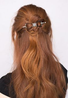Lovely Celtic Heart Flexi from Lilla Rose!  https://coastalconservatory.com/beautiful-hair-in-seconds/