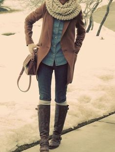 Boots and scarfs and jackets and buns and beautiful leather bags, I love fall fashion.