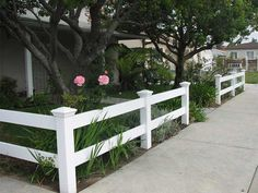 Get tips on designing attractive privacy fencing. Plus learn the right height for a privacy fence., Front yard fence, Fences and House fence design, Fences, Backyard fences and Fencing. Backyard Fences, Garden Fencing, Fenced In Yard, Backyard Projects, Front Yard Landscaping, Landscaping Ideas, Landscaping Shrubs, Outdoor Landscaping, Front Fence