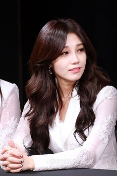WHY IS EUNJI SO PERFECT?? THE FUCKING HATERS WHO CALL HER UGLY WILL NEVER EVEN BE 1% AS BEAUTIFUL AS SHE IS