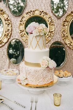 pink and gold cake @weddingchicks  mirrored wall