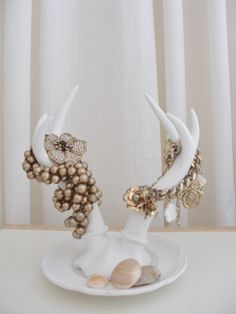 ❥ antler jewelry display