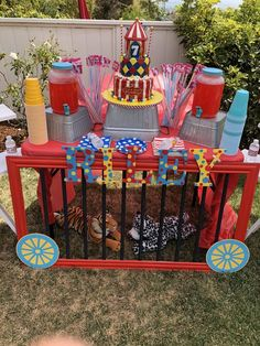 The wild animal cage under the snack table gives a funny touch. Carnival Baby Showers, Circus Carnival Party, Circus Theme Party, Carnival Birthday Parties, First Birthday Parties, Birthday Party Themes, Circus Party Decorations, Vintage Circus Party, Circus Wedding