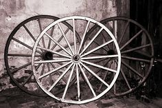 pictures of old wagon wheels | Polly Peacock › Portfolio › Old Wagon Wheels