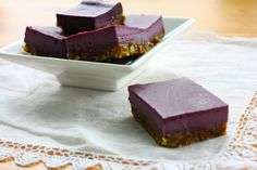 Raw, Vegan Blackberry Cheesecake Bars