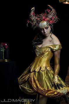 Beast & Bramble Ram Horn Headdress by idolatre on Etsy Bramble, Karneval Diy, Ram Horns, Fantasy Costumes, Costume Makeup, Gothic Steampunk, Headdress, Costume Design, Beauty And The Beast