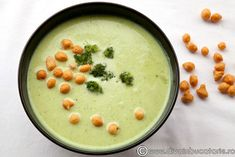 Cream of broccoli soup with zucchini Baby Food Recipes, Healthy Recipes, Cream Of Broccoli Soup, Romanian Food, Pastry Cake, Soups And Stews, Good Food, Easy Meals, Food And Drink