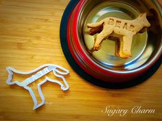 Personalized Shepherd cookies Shepherd cookie by SugaryCharm Dog Cookie Cutters, Custom Cookie Cutters, How To Introduce Yourself, Make It Yourself, Personalized Cookies, Dog Cookies, Homemade Dog Treats, Cookie Decorating, Dog Bowls