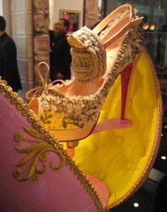 Marie Antoinette Shoe | Christian Louboutin
