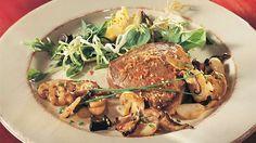 Biftecks asiatiques et salade chaude de champignons   Recettes IGA